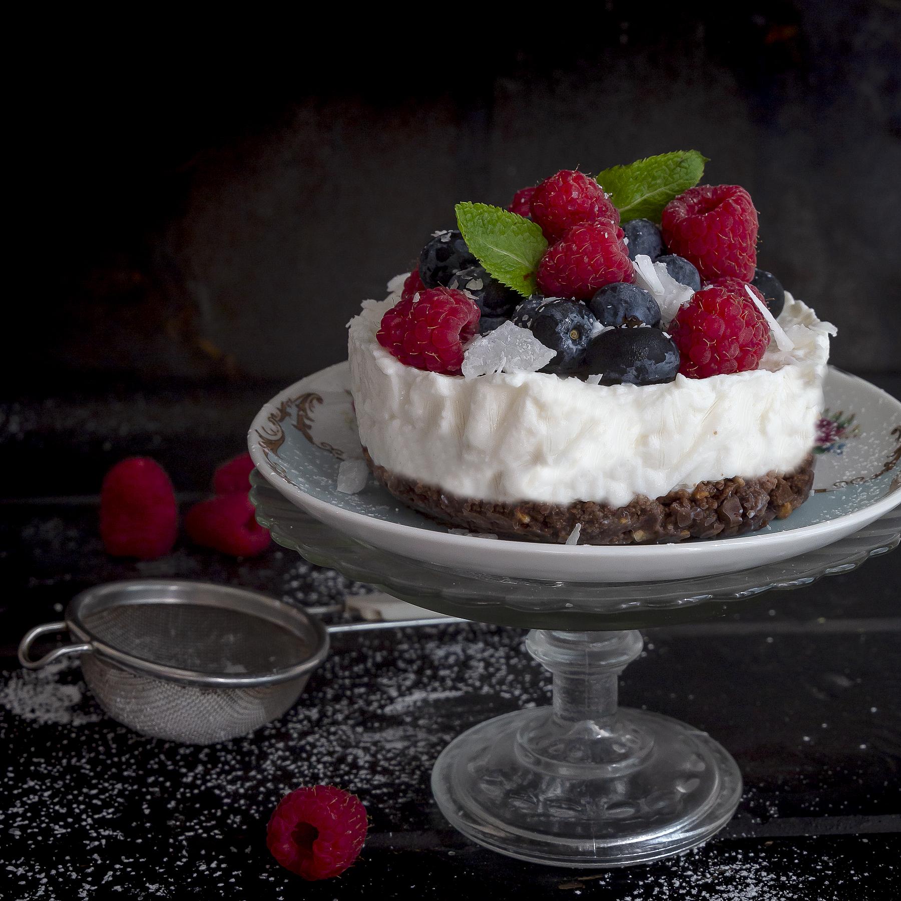 cheese-cake-al-cocco-con-frutti-di-bosco-dolce-facile-estivo-fresco-senso-contemporaneo-food