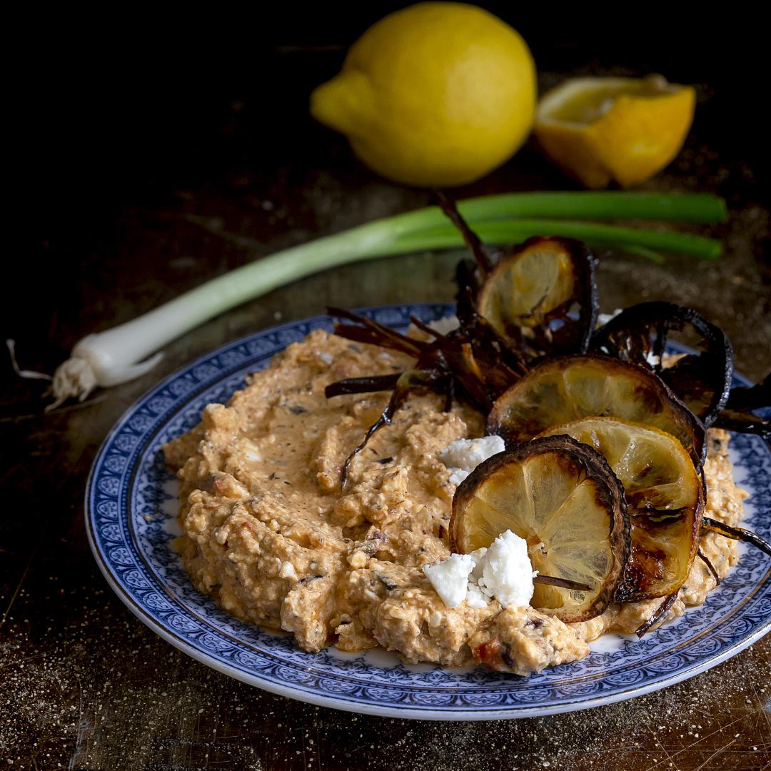 crema-di-feta-greca-limoni-e-cipollotti-caramellati-ricetta-vegetariana-estiva-facile-veloce-formaggio-contemporaneo-food
