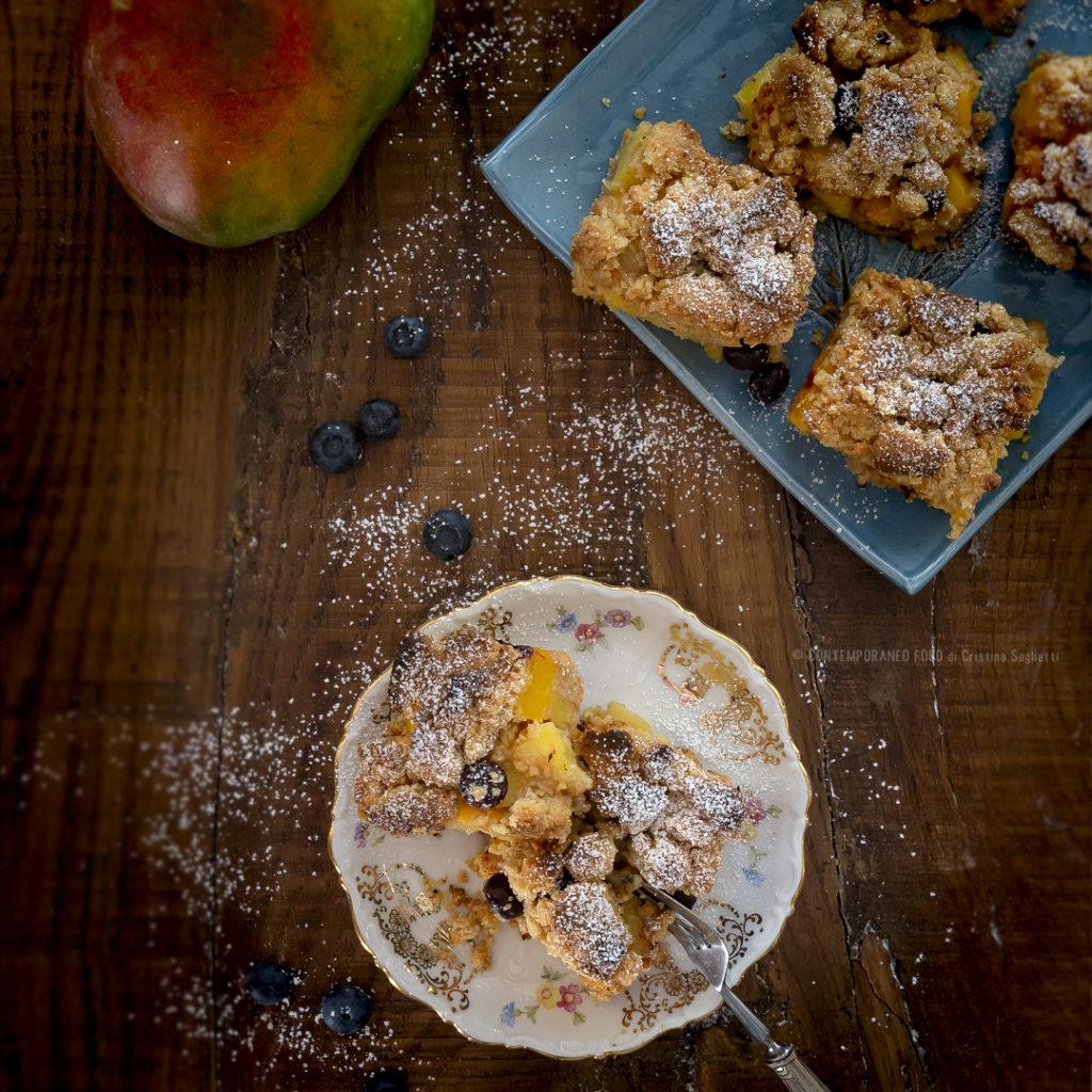 mango-mirtilli-bars-dolce-per-la-colazione-facile-dessert-estivo-contemporaneo-food