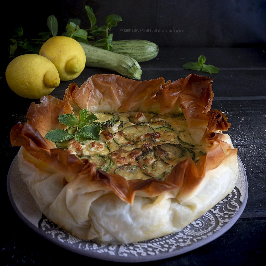 torta-salata-di-zucchine-feta-limone-e-pasta-phillo-piatto-unico-ricetta-estiva-facile-vegetariana--contemporaneo-food