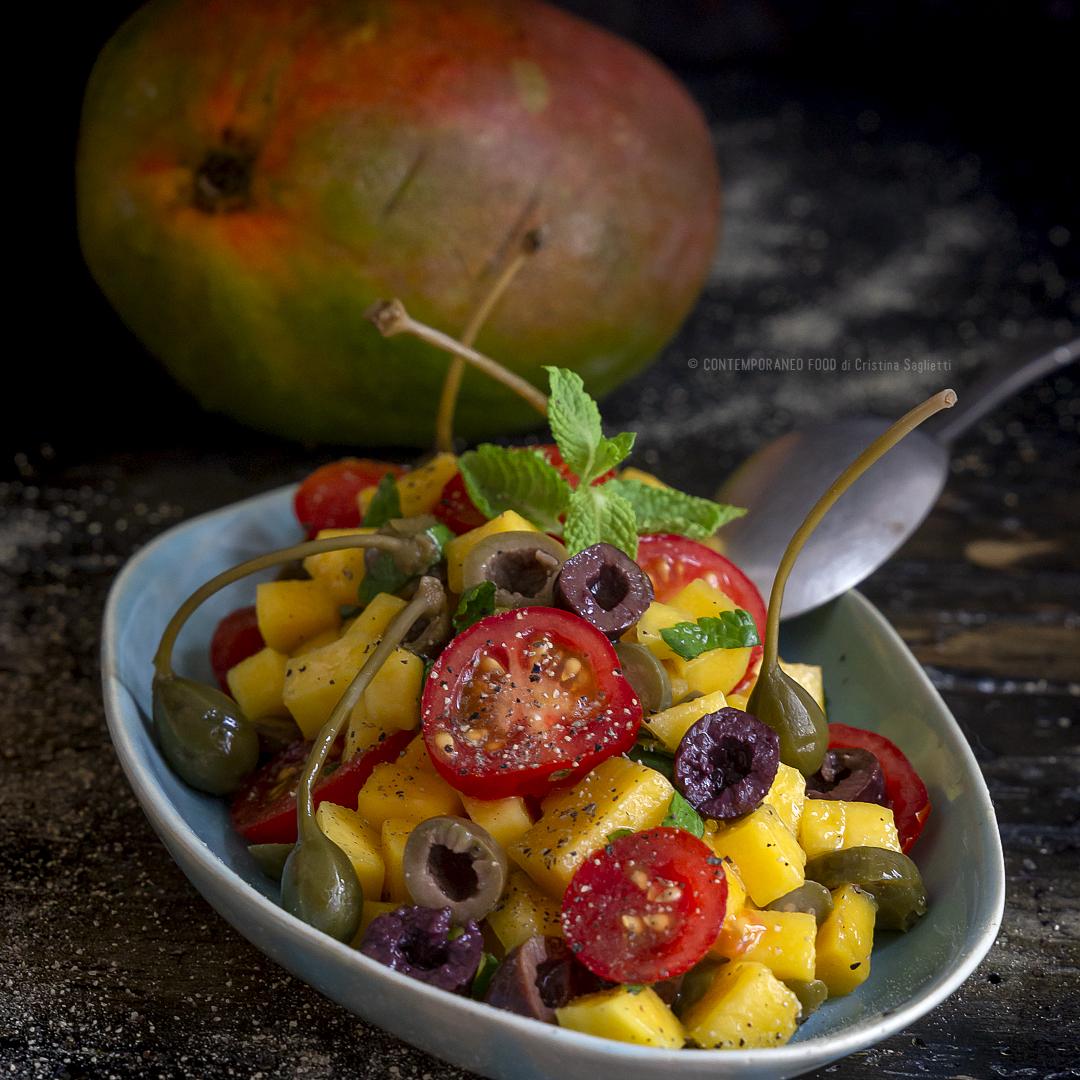 insalata-mango-pachino-fiori-di-cappero-ricetta-facile-estiva-vegetariana-contemporaneo-food