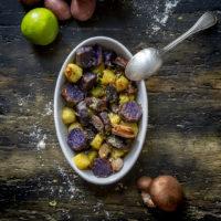 patate-viola-rosse-funghi-al-forno-con-lime-contorno-facile-veloce-contemporaneo-food