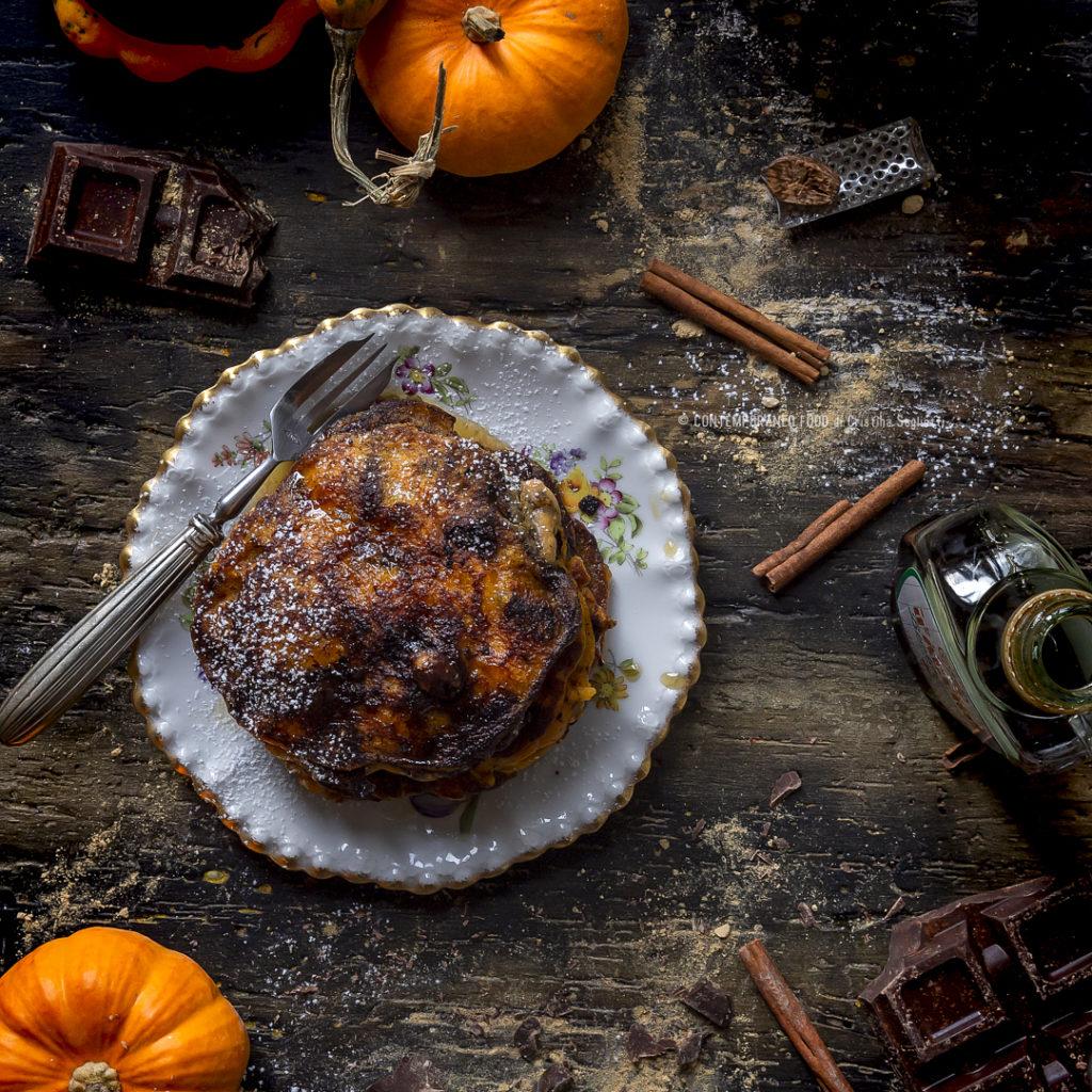 pancakes-zucca-cioccolato-burro-speziato-ricetta-facile-merenda-colazione-contemporaneo-food