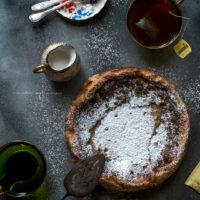 torta-al-latte-caldo-e-té-earl-grey-dolce-facile-merenda-colazione-contemporaneo-food