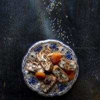https://www.contemporaneofood.com/cantucci-al-cioccolato-e-datteri/