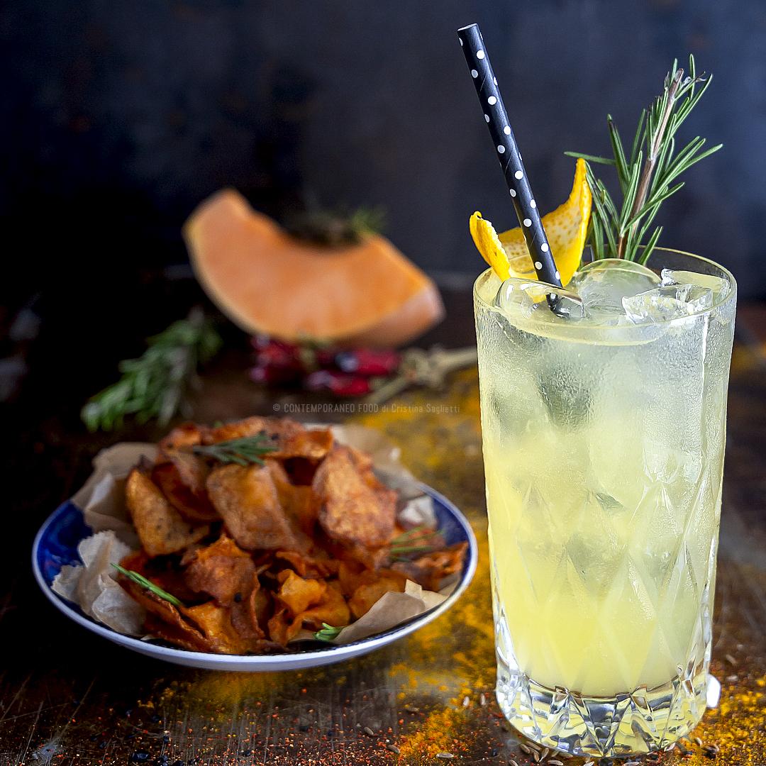 chips-zucca-cocktail-gin-prosecco-arancia-sciroppo-rosmarino-aperitivo-merenda-ricetta-facile-veloce-contemporaneo-food