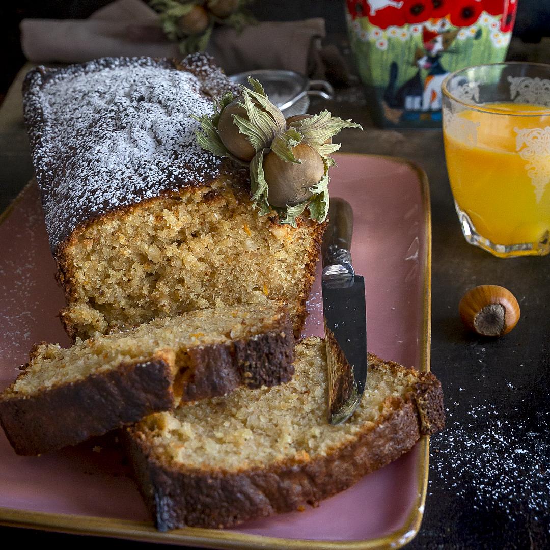 plumcake-alle-nocciole-yogurt-arancia-dolce-facile-colazione-merenda-contemporaneo-food