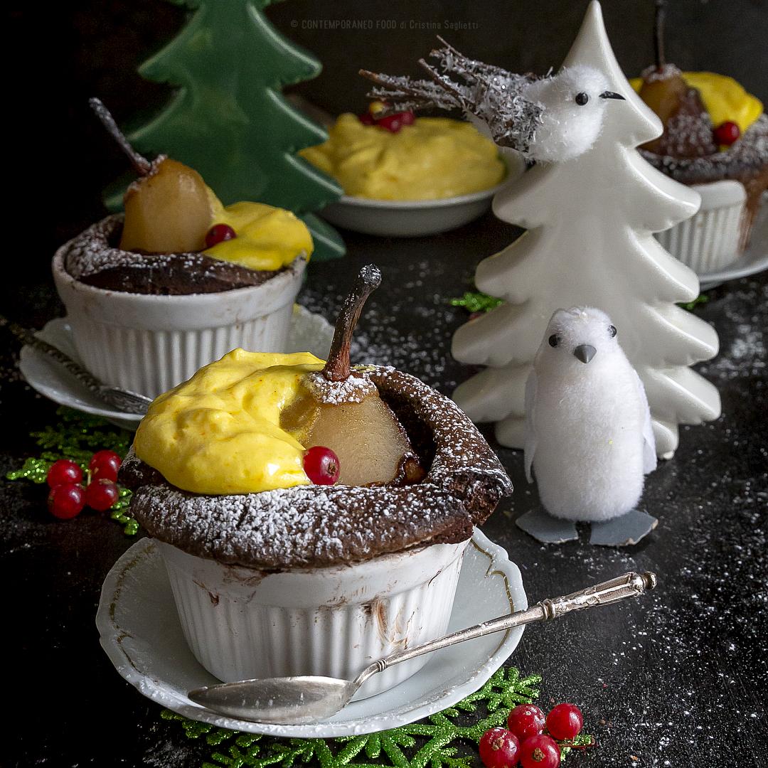 tortini-cioccolato-cardamomo-con-pere-cotte-al-Cointreau-mascarpone-vaniglia-zafferano-dolce-di-natale-contemporaneo-food