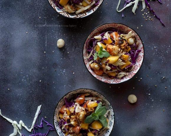 cavolo-viola-in-insalata-con-mango-papaya-noci-macadamia-contorno-leggero-contemporaneo-food
