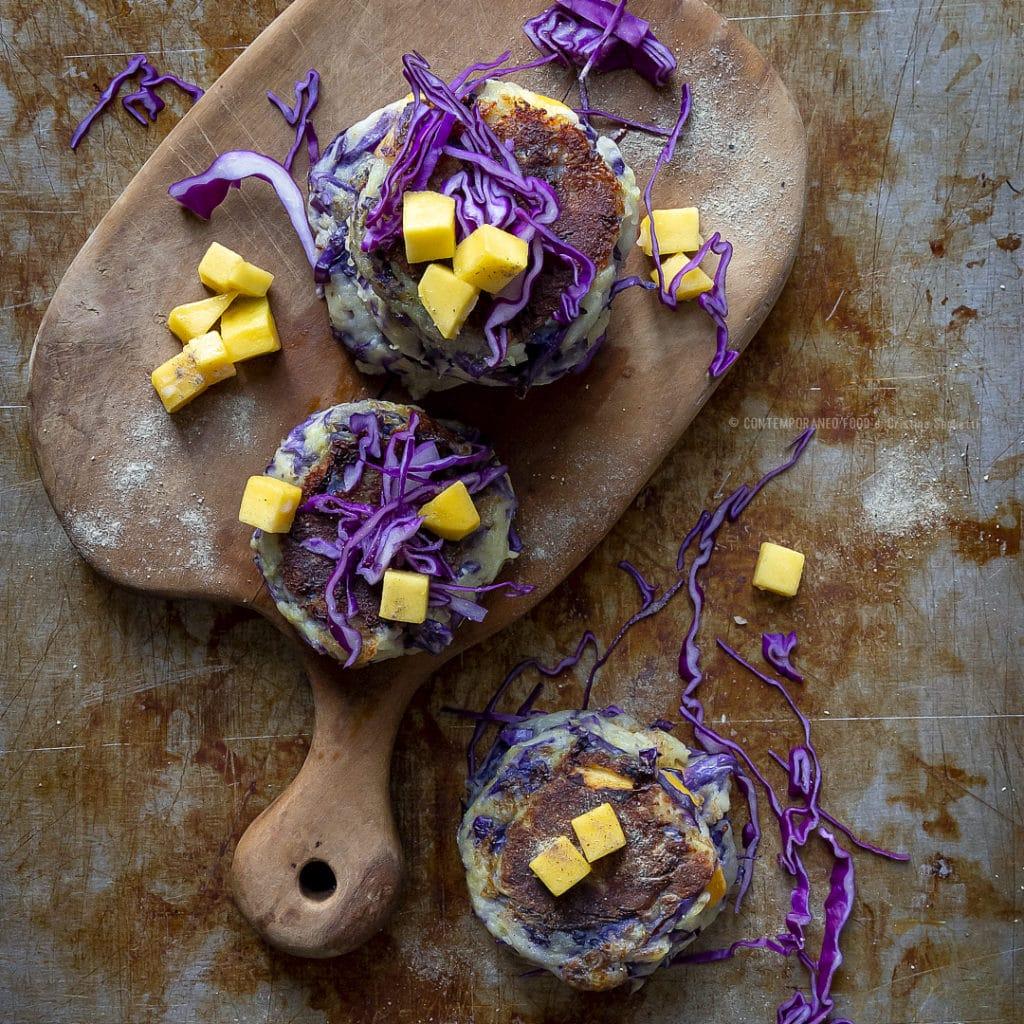 crocchette-patate-cavolo-rosso-mango-secondo-vegetariano-facile-contemporaneo-food
