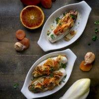 insalata-belga-al-forno-farcita-con-albicocche-fichi-secchi-al-profumo-di-arancia-contorno-facile-contemporaneo-food