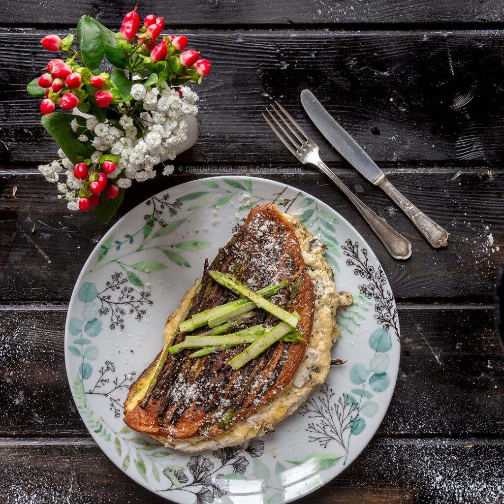 omelette-souffle-con-asparagi-ricotta-bufala-ricetta-facile-veloce-vegetariana-contemporaneo-food