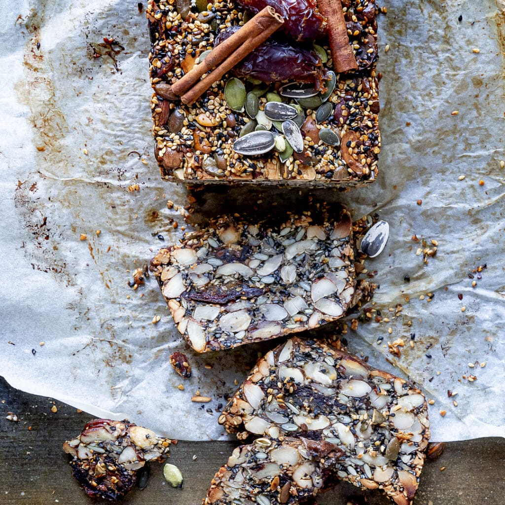 pane-nordico-età-della-pietra-spuntino-snack-fit-pre-allenamento-proteico-facile-contemporaneo-food