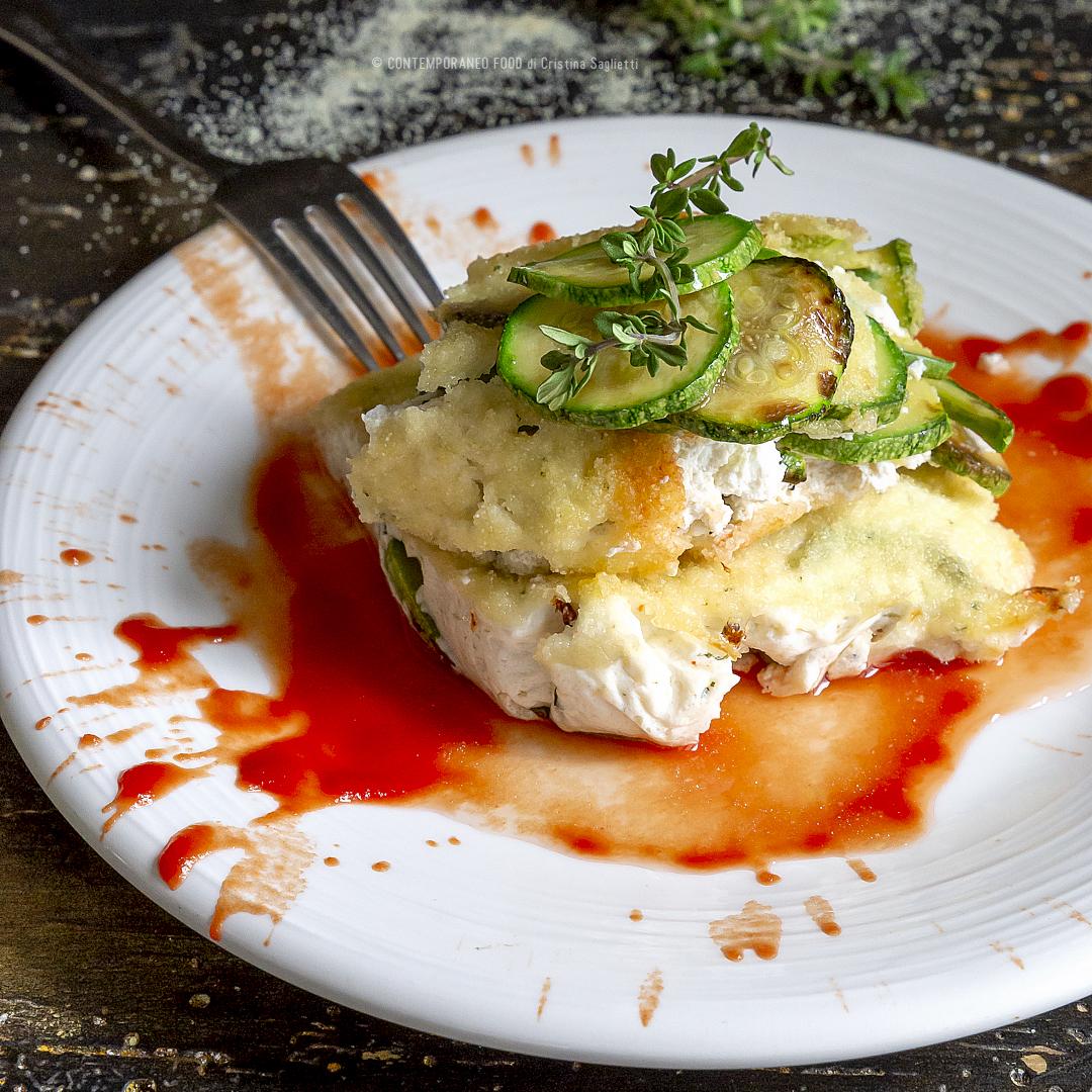 ricotta-al-forno-alle-erbe-e-zucchine-con-sughetto-al-pomodoro-secondo-vegetariano-contemporaneo-food