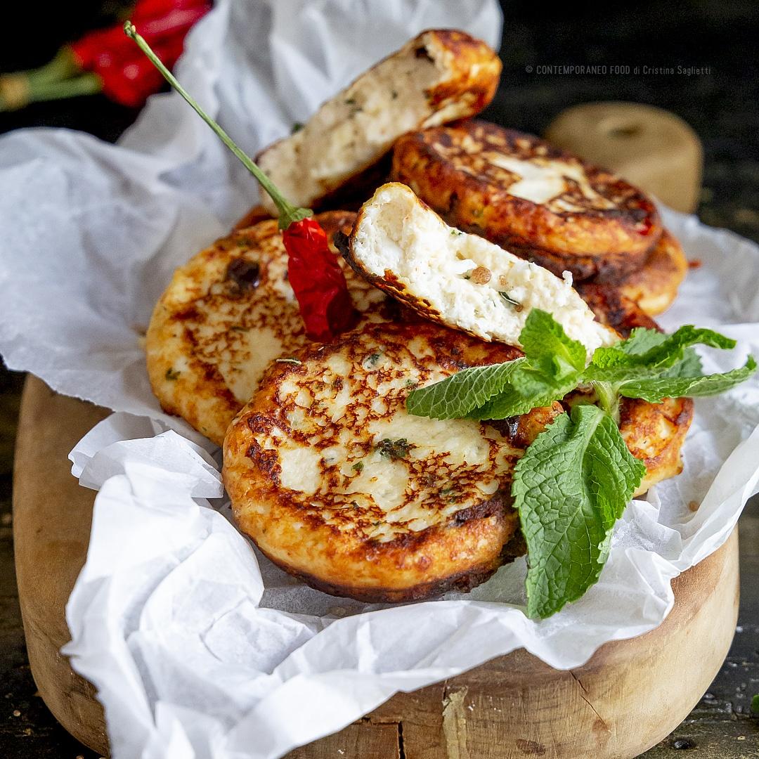 crocchette-di-ricotta-olive-nere-menta-piatto-unico-secondo-facile-leggero-vegetariano-contemporaneo-food