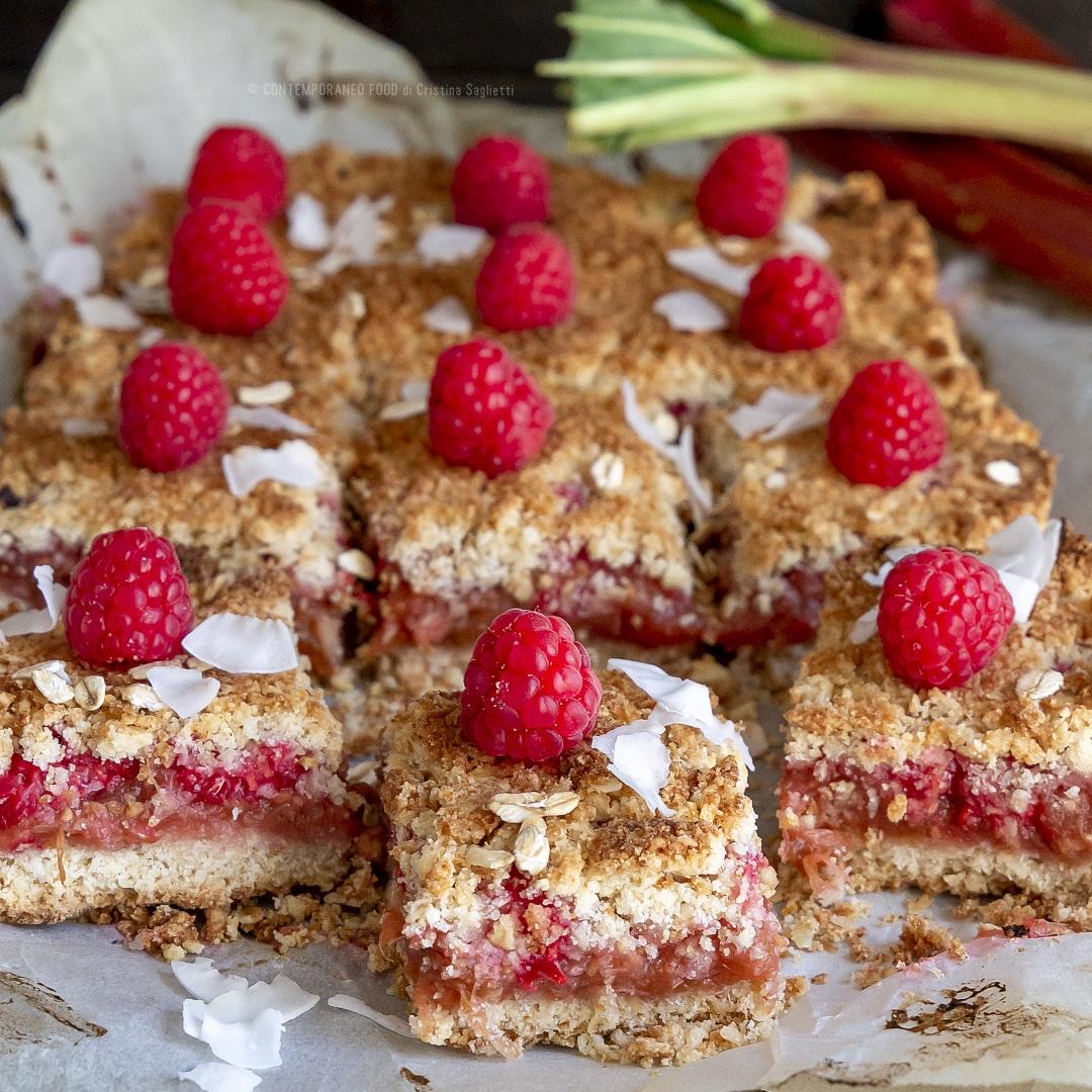 torta-crumble-lamponi-rabarbaro-farina-di-cocco-farina-di-avena-merenda-colazione-dolce-facile-contemporaneo-food