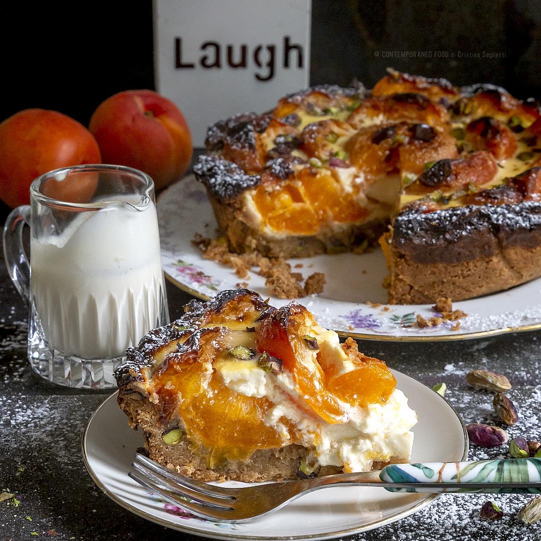 torta-di-albicocche-creme-fraiche-con-frolla-veloce-ai-pistacchi-dolce-facile-merenda-estiva-contemporaneo-food