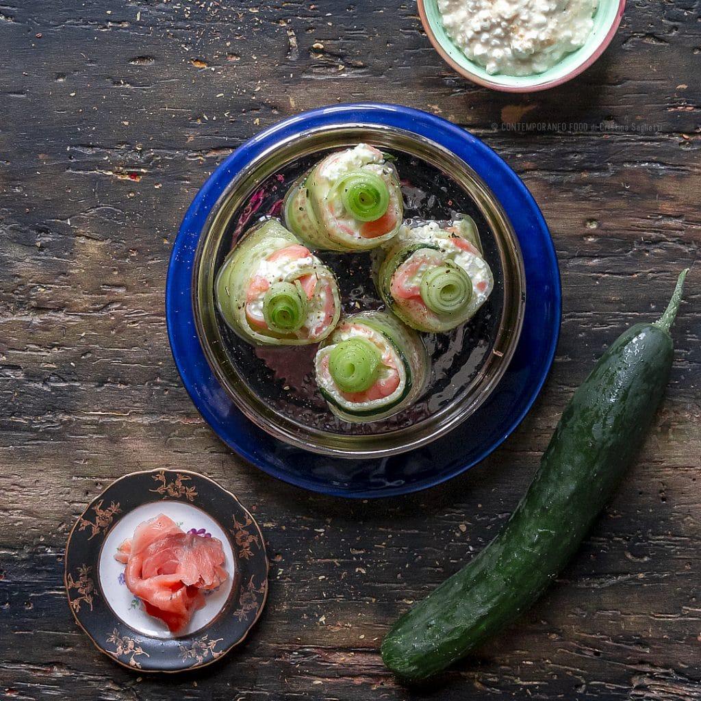 finto-sushi-di-cetriolo-salmone-fiocchi-di-latte-2b-contemporaneo-food