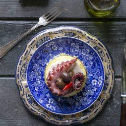 causa-patate-polipo-avocado-ricetta-peruviana-pesce-facile-contemporaneo-food