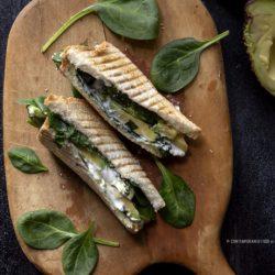 toast-con-avocado-ricetta-vegetariana-light-facile-veloce